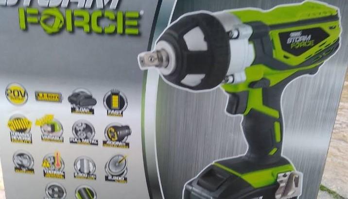 masina suruburi